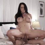 Milf Porn Video – Reagan Foxx (MP4, SD, 854×480)