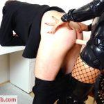 Milf Porn Video – Mydirtyhobby presents Daynia – Dominanter Strap-On-Fick – Jetzt wird der Chef in den Arsch gefickt (MP4, FullHD, 1920×1080)